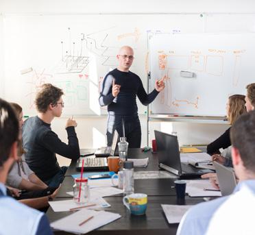 Jak wyliczyć zatrudnienie w firmie?